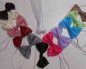 NOEUD PAPILLON ORGANZA BB & JUNIOR - BEL EFFET de BRILLANCE et ORIGINALITE dans tous les coloris de nos modèles de robes, pour une touche raccord ! Noeuds PAP en voile d'ORGANZA ! Montage sur tour de cou élastiqué.