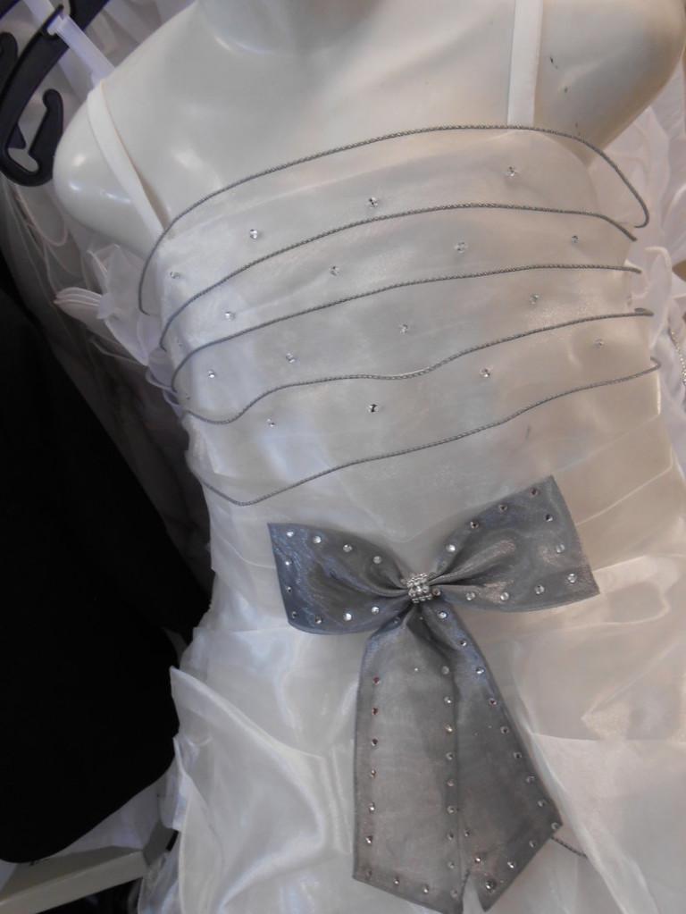 ROBE MARINA Effet « princesse », pour ce modèle tout en Voile d'Organza qui lui donne une belle luminosité!