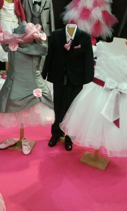 Tenues de cérémonie enfant par Frutti Mode au salon du mariage de saint nazaire