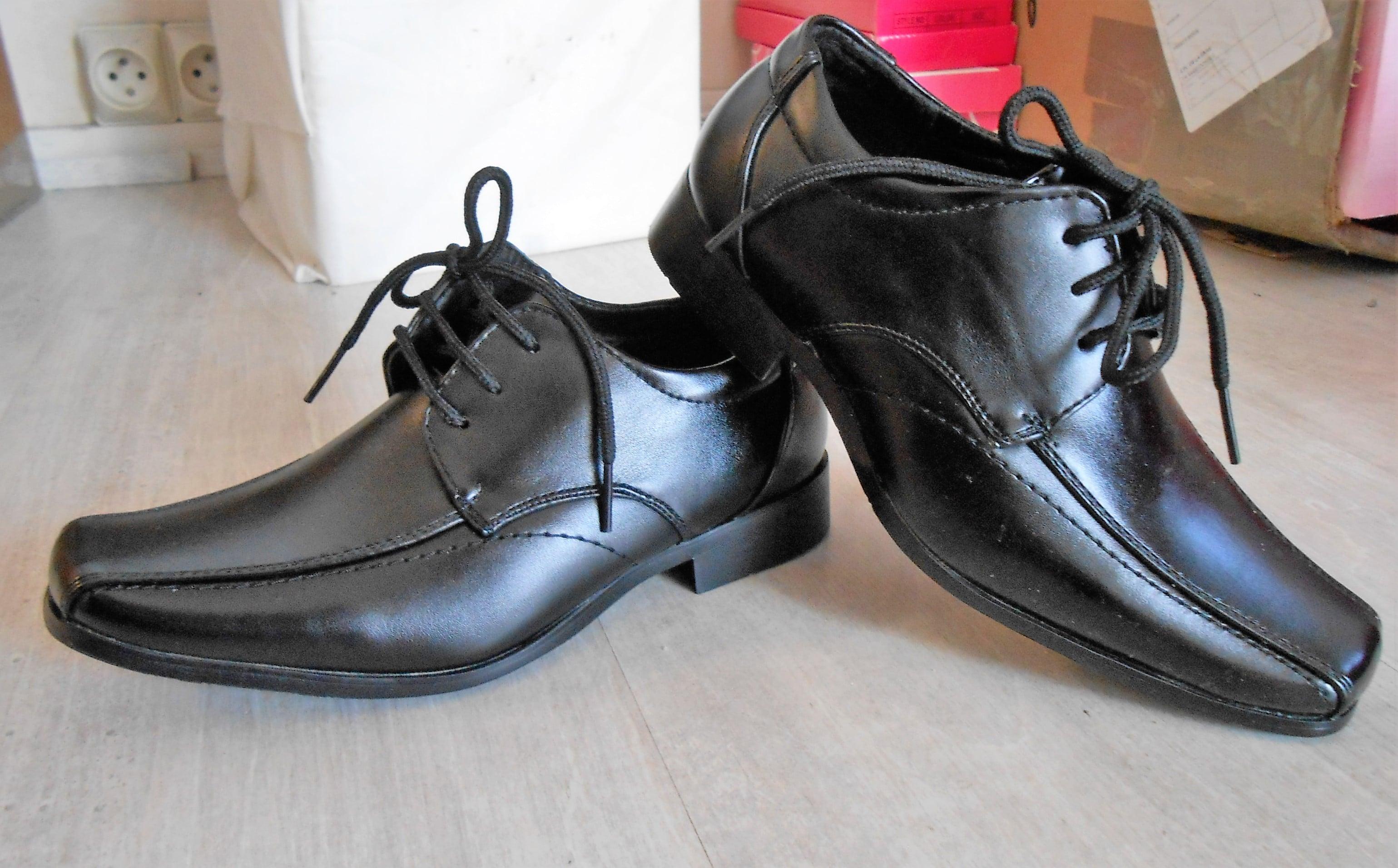 DSCN0995 NOIR lacets bout italienne Y050