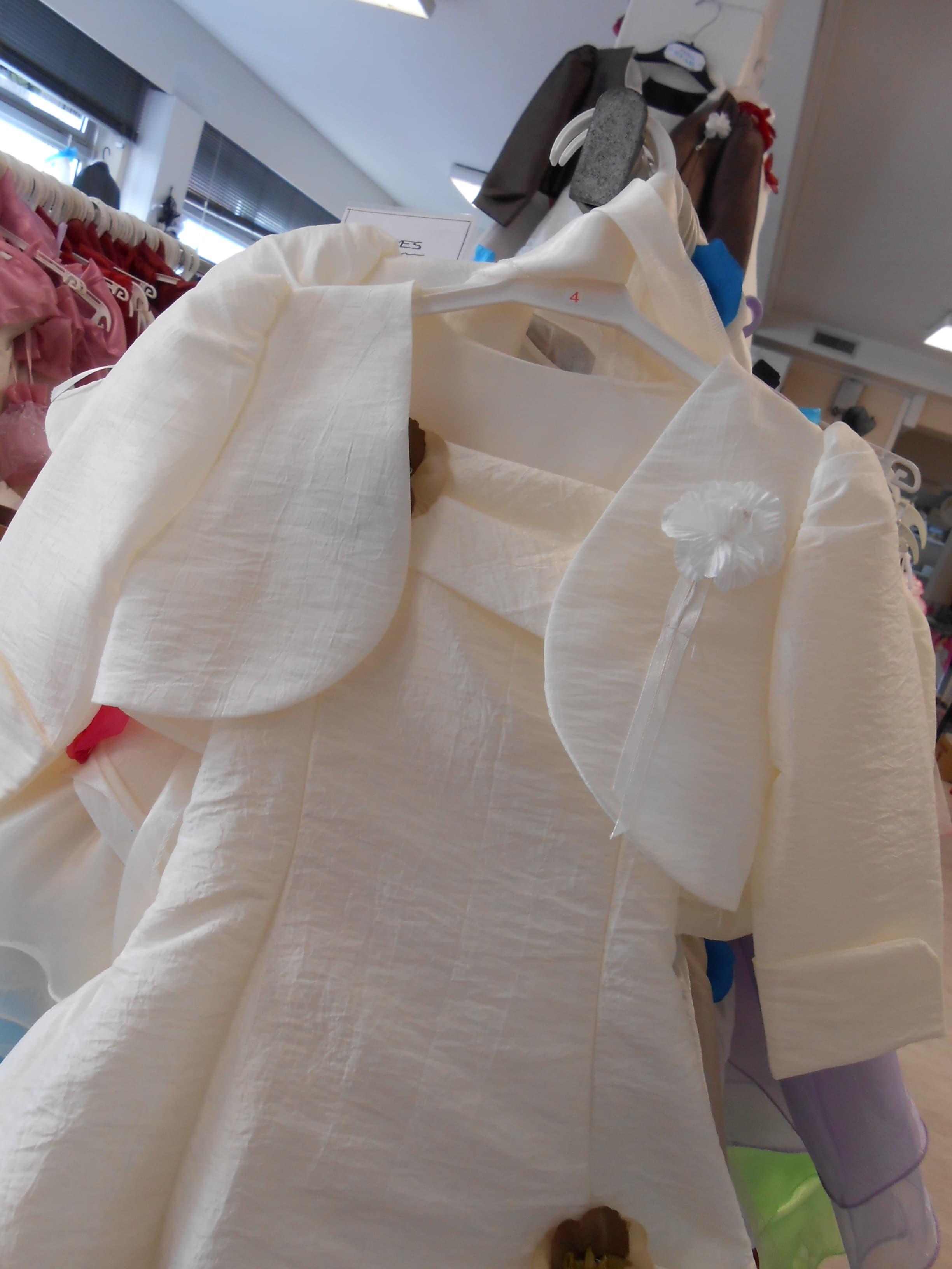 dscn0817-ivoire-junior-sur-robe