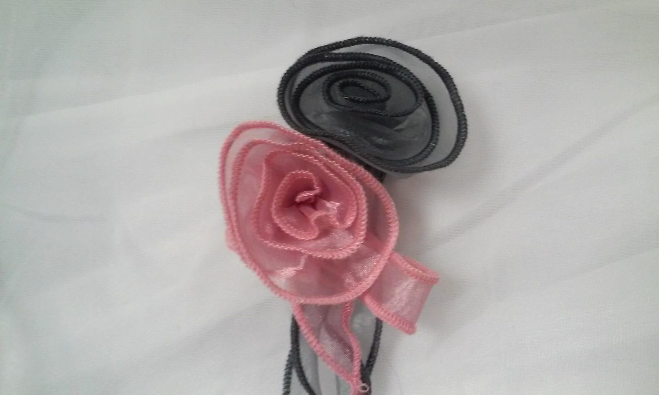 Fleurs rondes Gris et Rose
